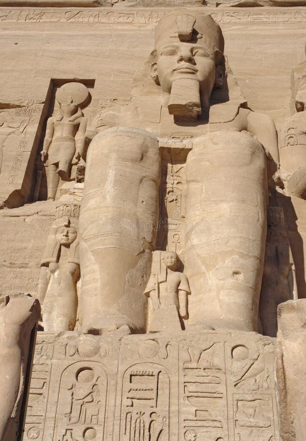 Ramesses em templos de Abu Simbel em Egito imagens de stock