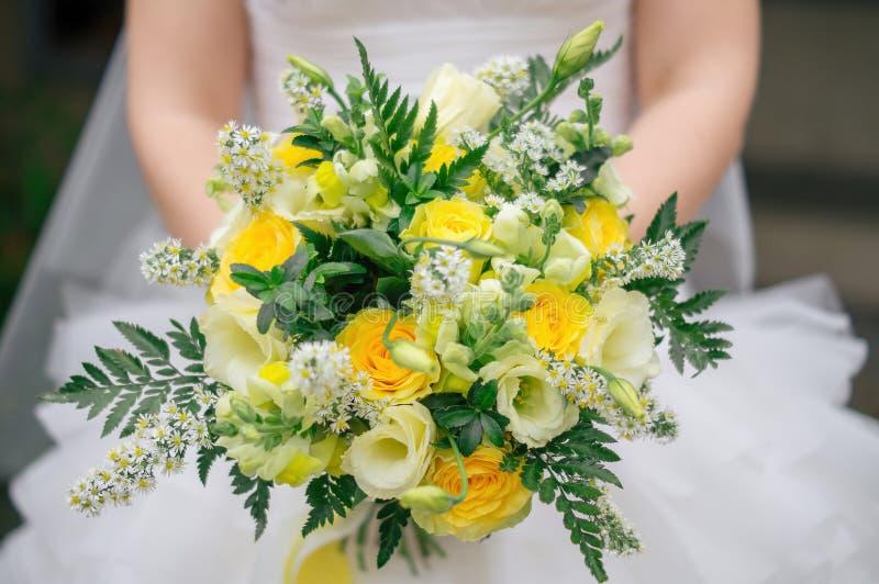 Ramo amarillo de la boda del otoño foto de archivo