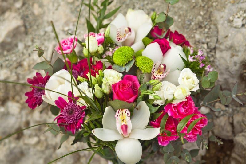 ramo blanco y rosado de la boda imagen de archivo libre de regalías