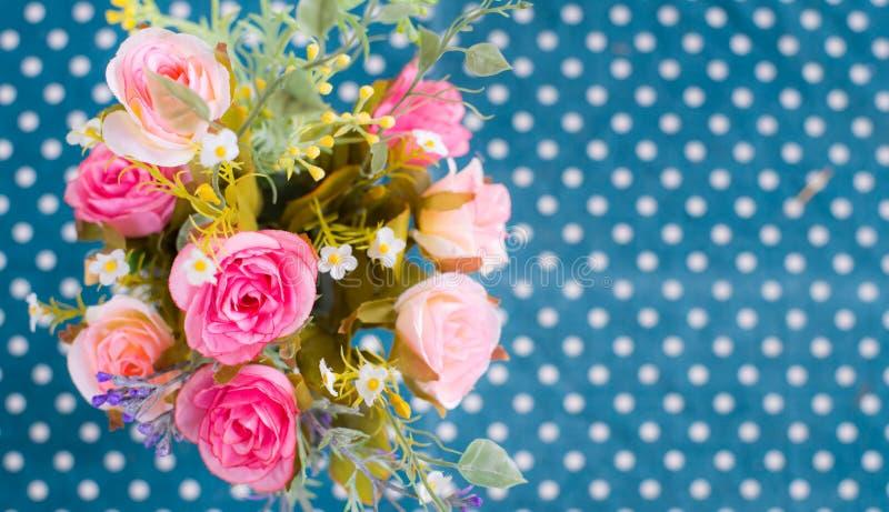 Download Ramo de flores coloridas foto de archivo. Imagen de amor - 42443008