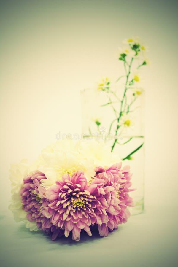 Ramo de flores rosadas imagen de archivo