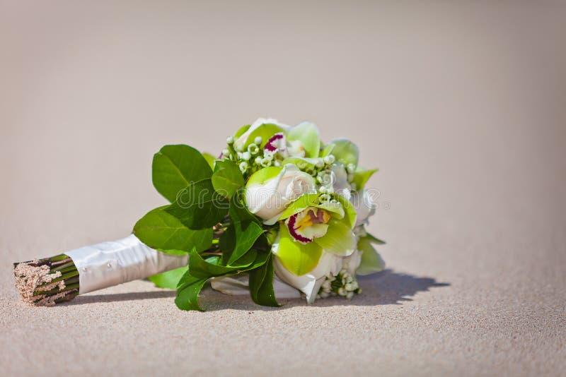 Ramo de la boda en la playa imagen de archivo libre de regalías
