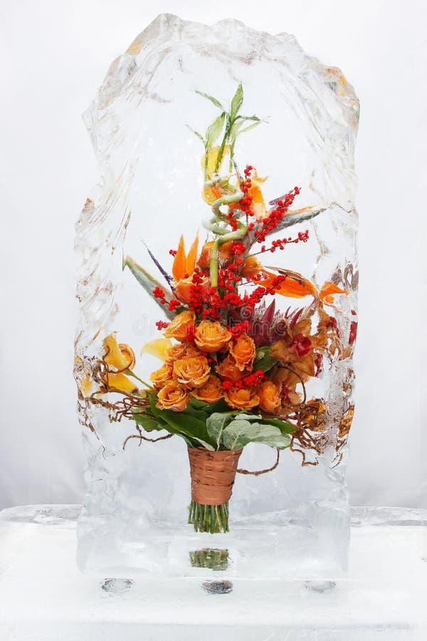 Ramo de la flor en el hielo V fotos de archivo libres de regalías