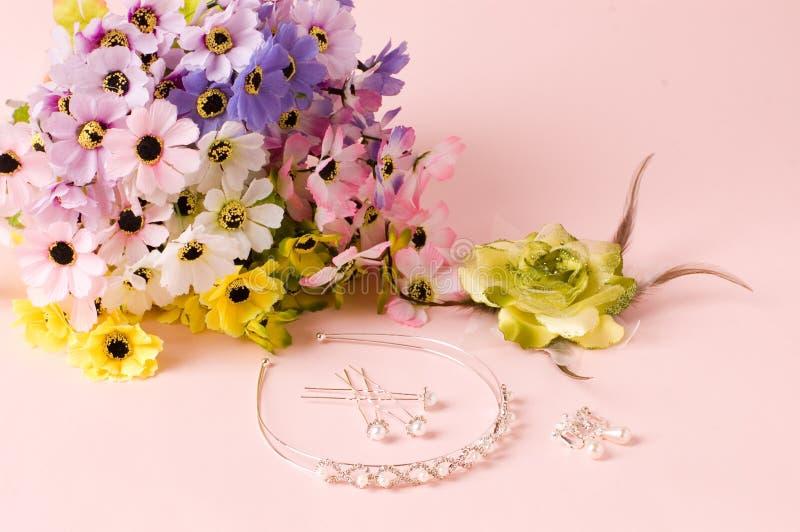 Ramo de la joyería de la boda y de la boda fotografía de archivo libre de regalías