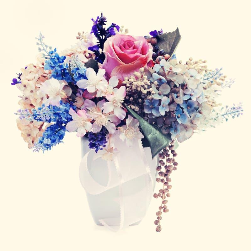 Ramo de las flores con efecto retro del filtro. foto de archivo libre de regalías