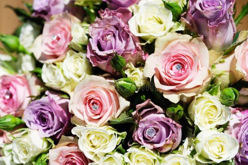 Ramo de las novias de rosas imagen de archivo libre de regalías