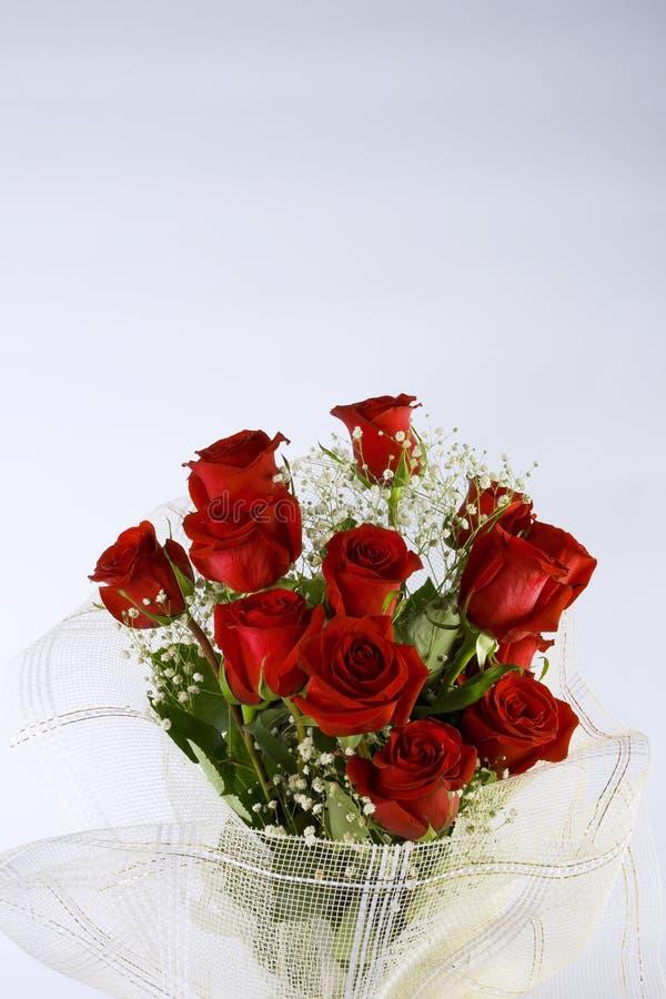 Ramo de las rosas de amor imagenes de archivo