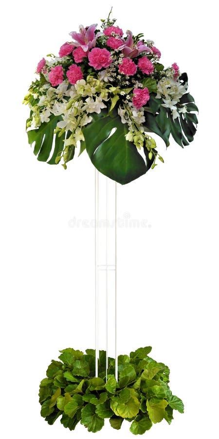 Ramo de las trayectorias de recortes, orquídea, clavel, lilly y pilar de acero para decorativo en la boda o la tarjeta del día de foto de archivo libre de regalías