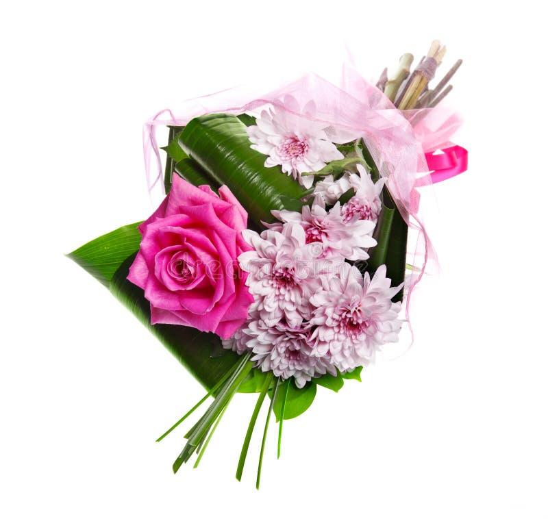 Ramo de rosas y de crisantemos del color de rosa del flor imagen de archivo