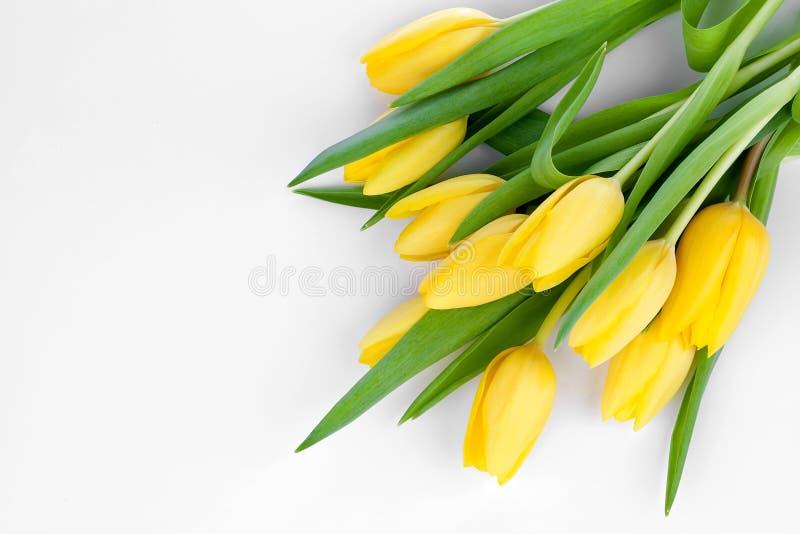 Ramo de tulipanes amarillos frescos foto de archivo