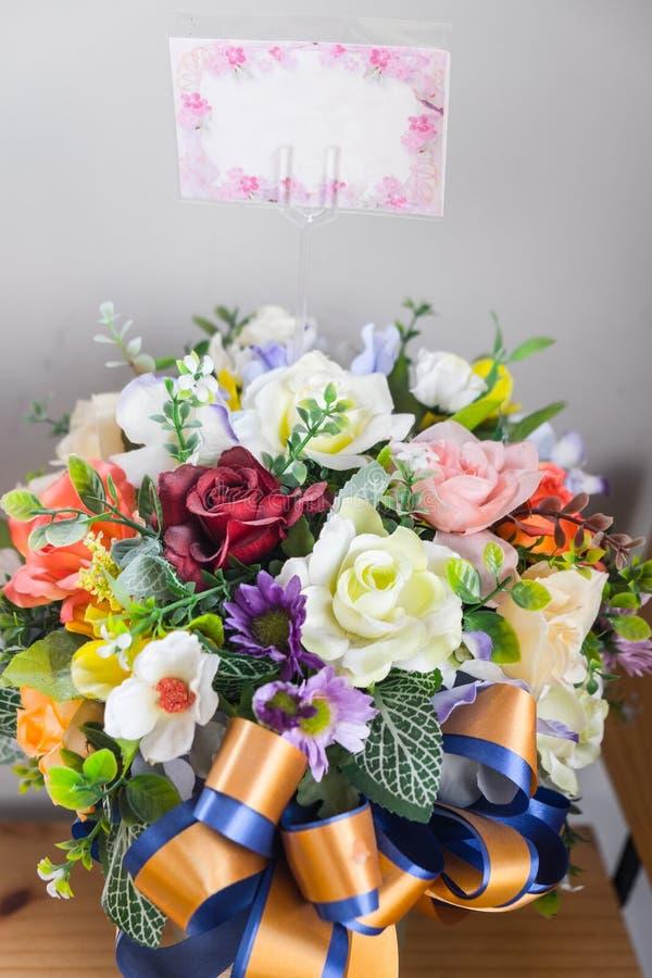 Ramo del primer de flor artificial fotos de archivo libres de regalías