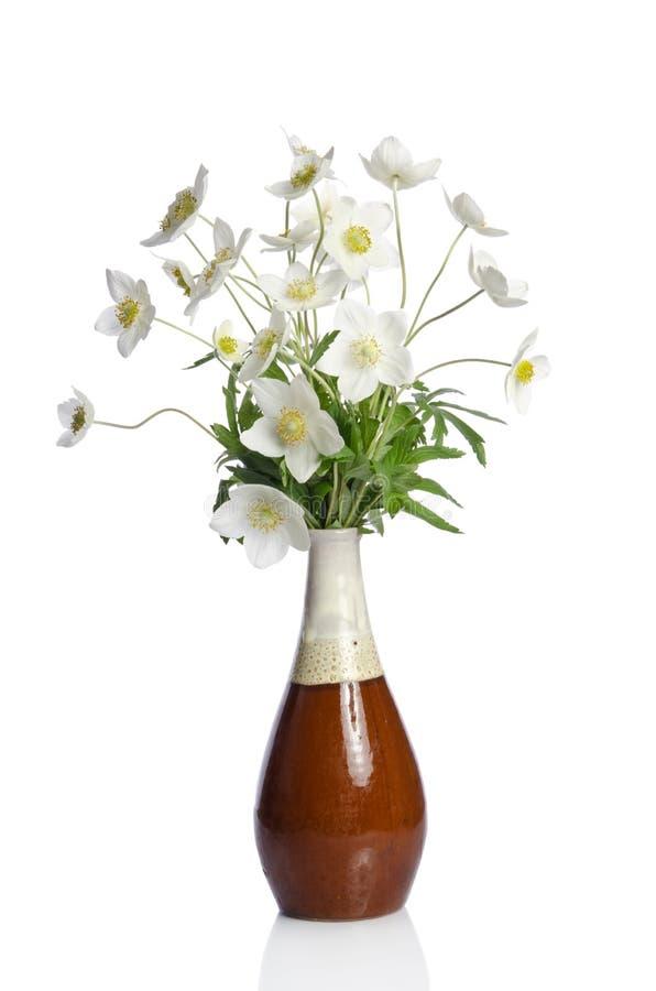 Download Ramo Hermoso De Flores Blancas Foto de archivo - Imagen de brote, pétalos: 41901070