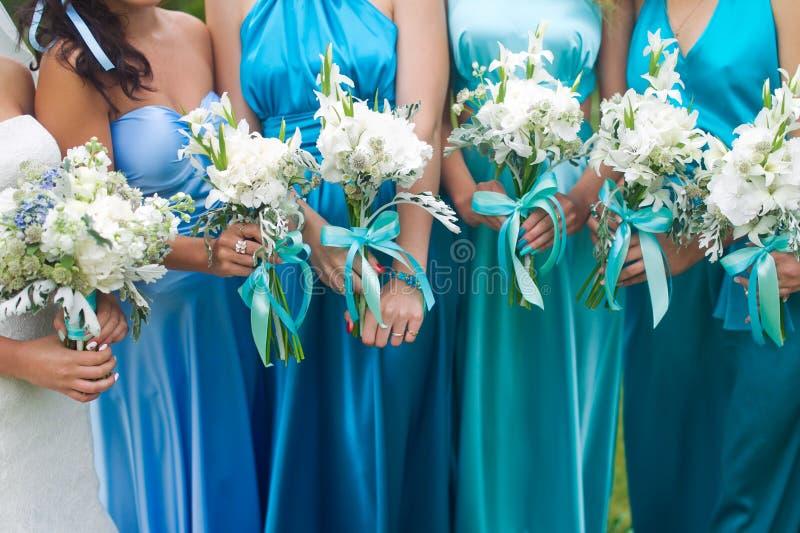 Ramo nupcial de las flores y de las novias de la boda fotos de archivo libres de regalías