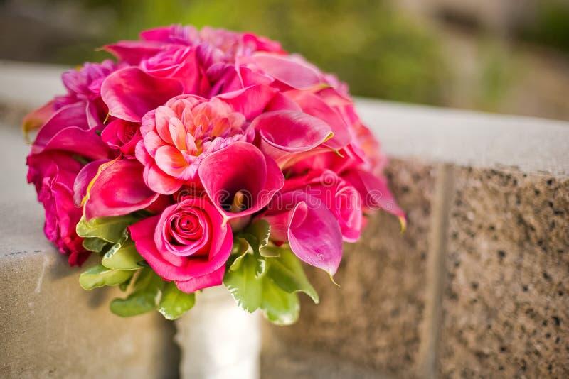Ramo nupcial rosado de la boda fotos de archivo libres de regalías