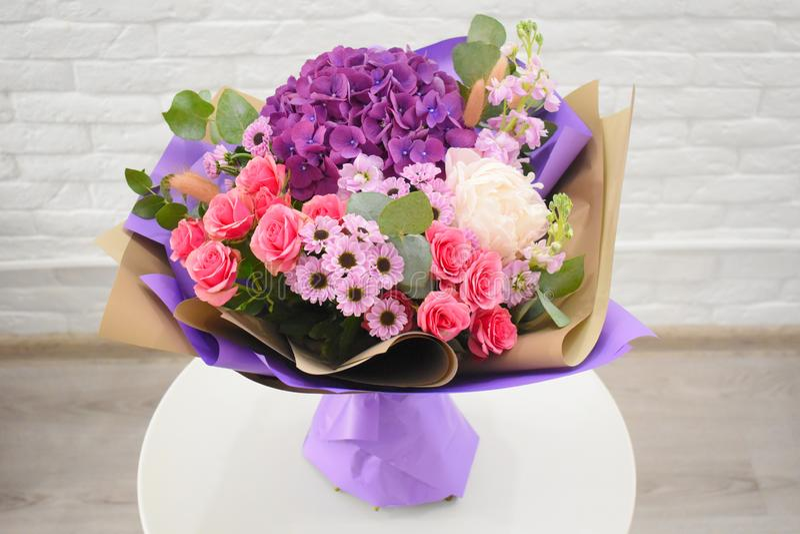 Ramo precioso hermoso para la floristería foto de archivo