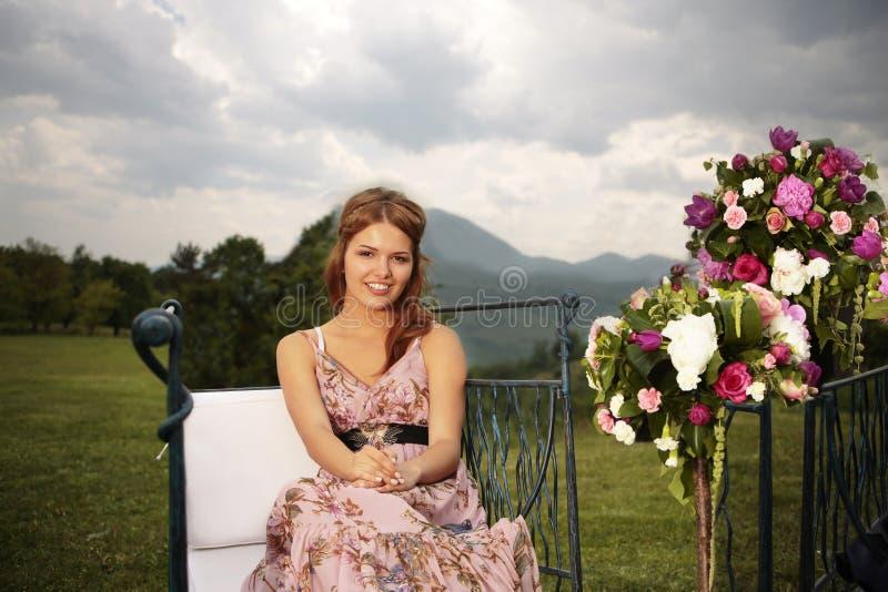 Ramos de la dama de honor y de la flor en naturaleza fotos de archivo