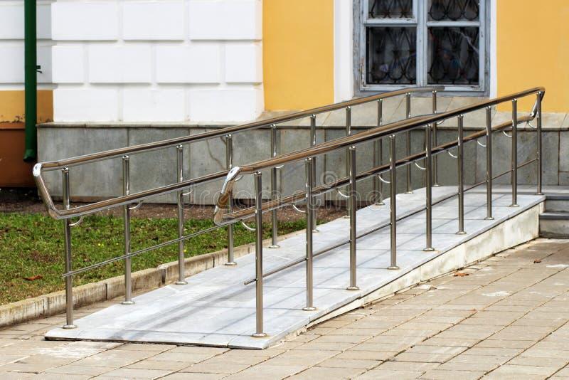 Ramp för rullstoltillträde fotografering för bildbyråer