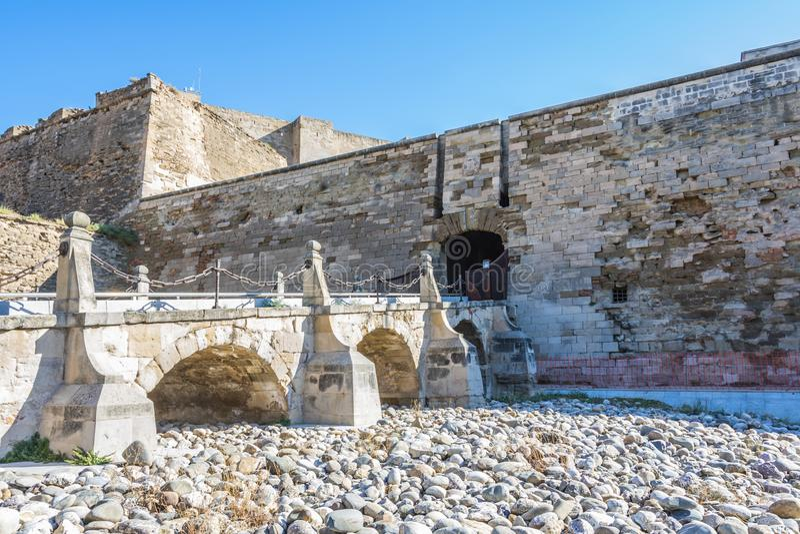Rampa da entrada à fortaleza de Suda do La Espanha de LLeida Catalonia imagem de stock