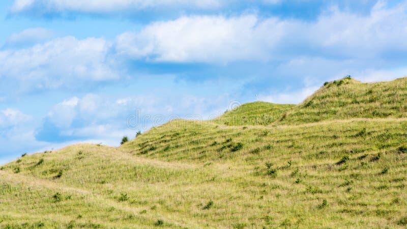 Ramparts Żelaznego wieka fort na Battlesbury wzgórzu, Wiltshire, UK fotografia royalty free