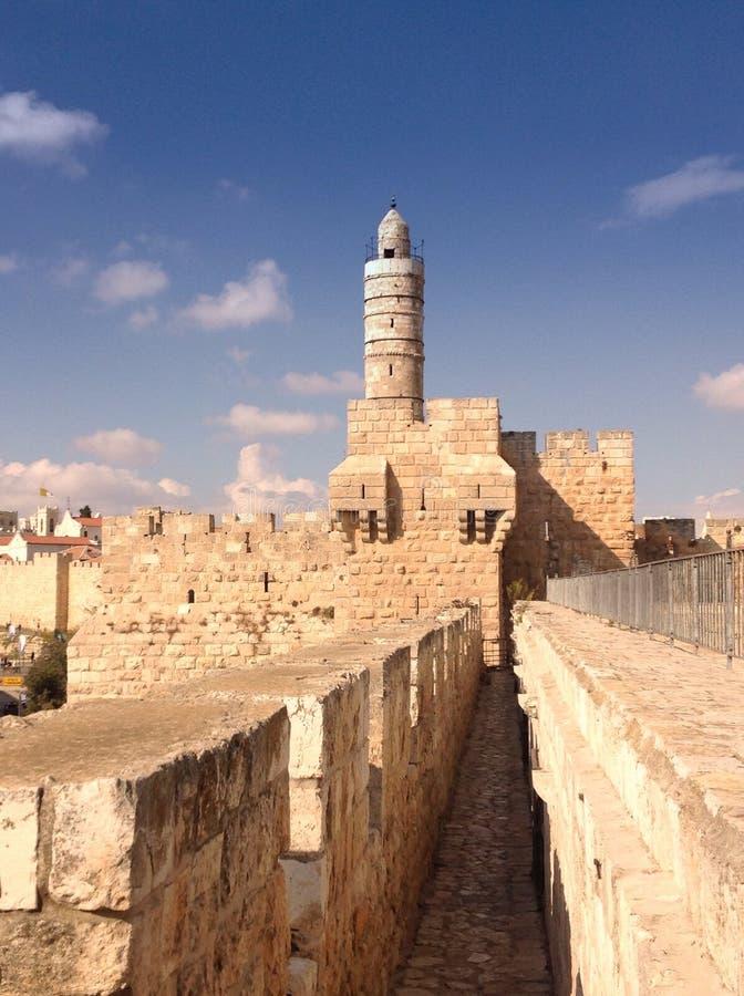Ramparts spacer: zaczyna Jaffa bramą, Jerozolima zdjęcie royalty free