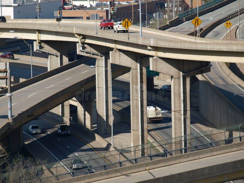 Rampes et passerelles d'autoroute image libre de droits