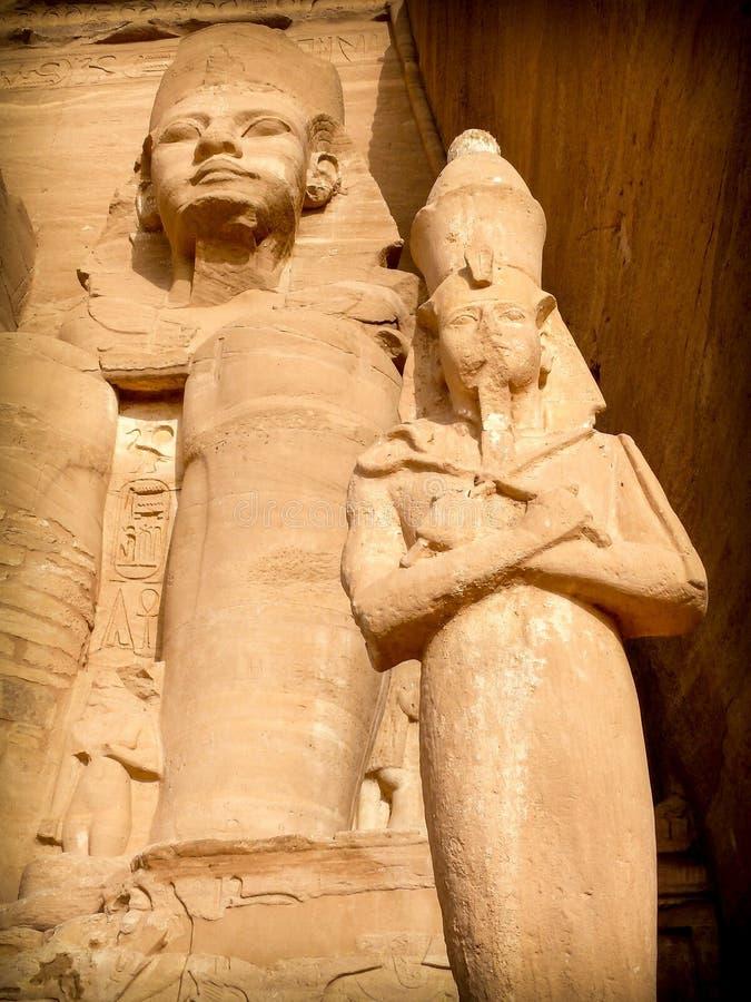Ramses II e Nefertari, Abu-Simbel fotografia de stock