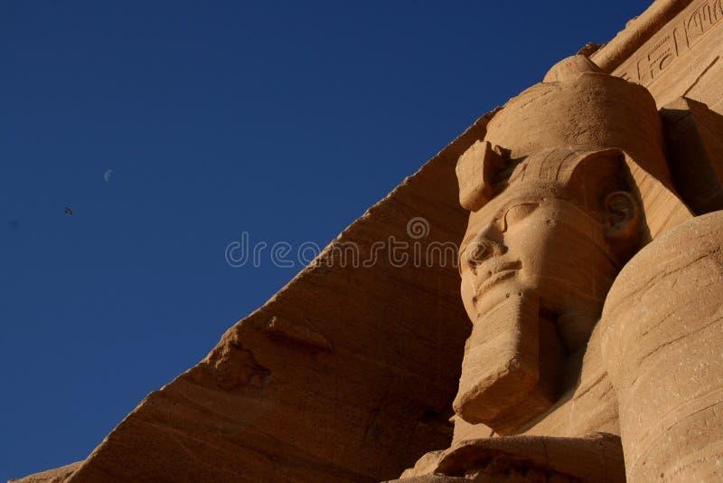 Ramses II y la luna imagenes de archivo