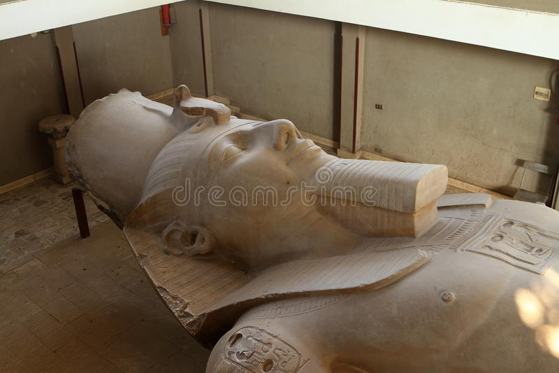 Ramses Statue en Memphis Egypt image stock