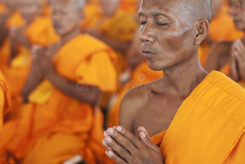 Rana pescatrice buddista in Tailandia fotografia stock