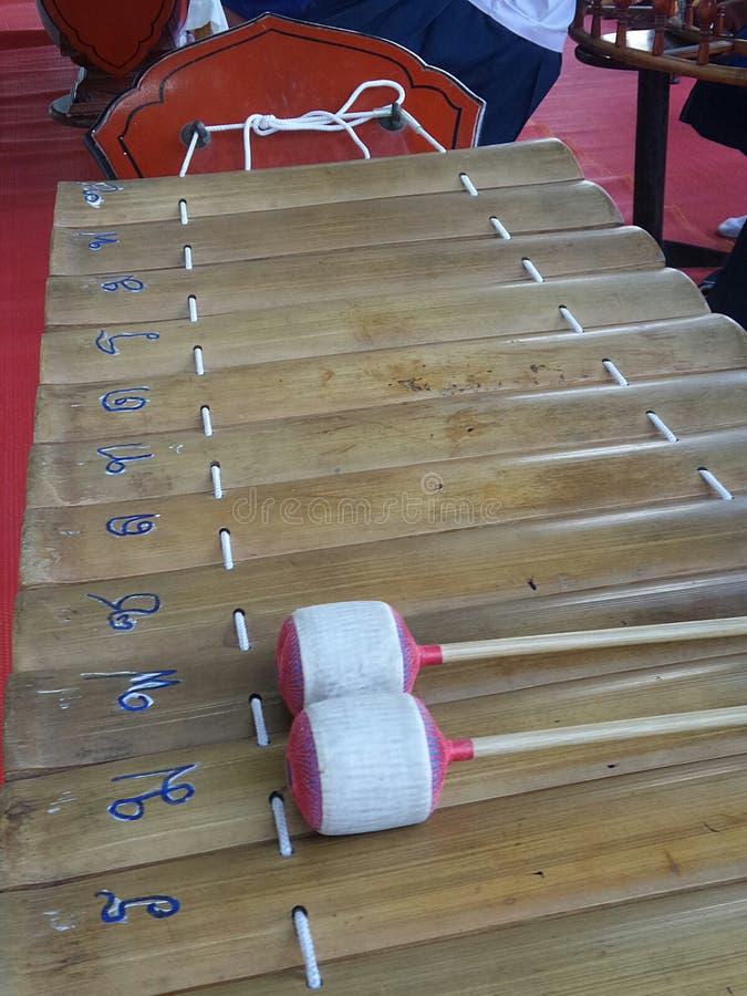 Ranat eller xylofon med thailändsk konsonanttangent royaltyfri fotografi
