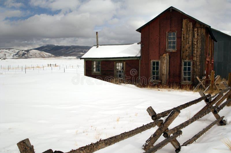 ranch för hus för colorado land hög royaltyfria foton
