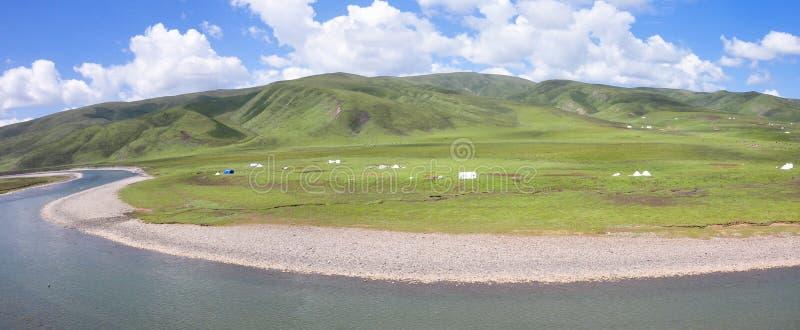 Ranch och flod arkivbild