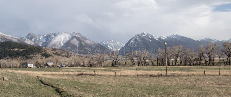 Rancho de Montana e pasto da montanha imagens de stock royalty free