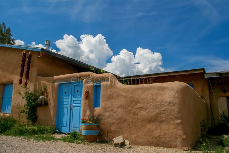 Ranchos de Taos i nytt - Mexiko royaltyfri bild