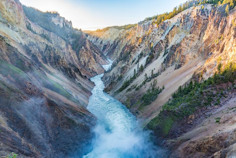 Rand van de Lagere Dalingen, Yellowstone Grand Canyon stock foto's