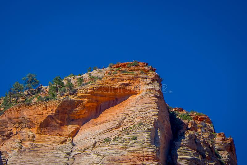 Randgang in mooi landschap in Zion National Park langs de Engelen` s Landende sleep, die in Zion Canyon, Utah wandelen stock foto's