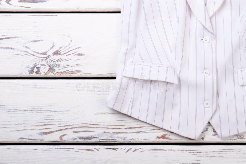Randig waistcoat för kvinnlig vit arkivbild
