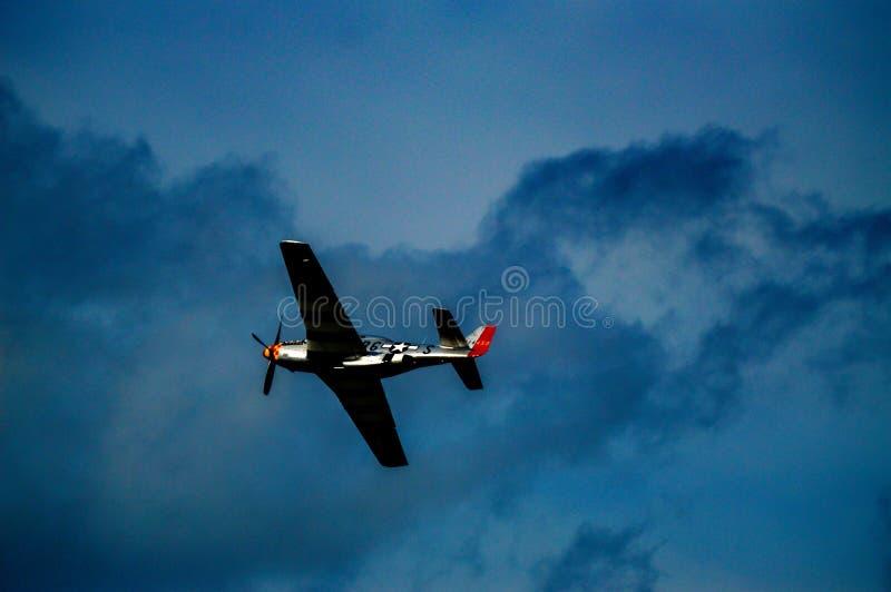 Randigt flygplan fotografering för bildbyråer