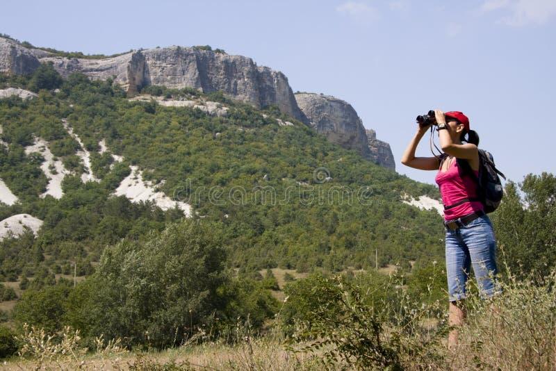 Randonneur Dans Les Montagnes Photographie stock