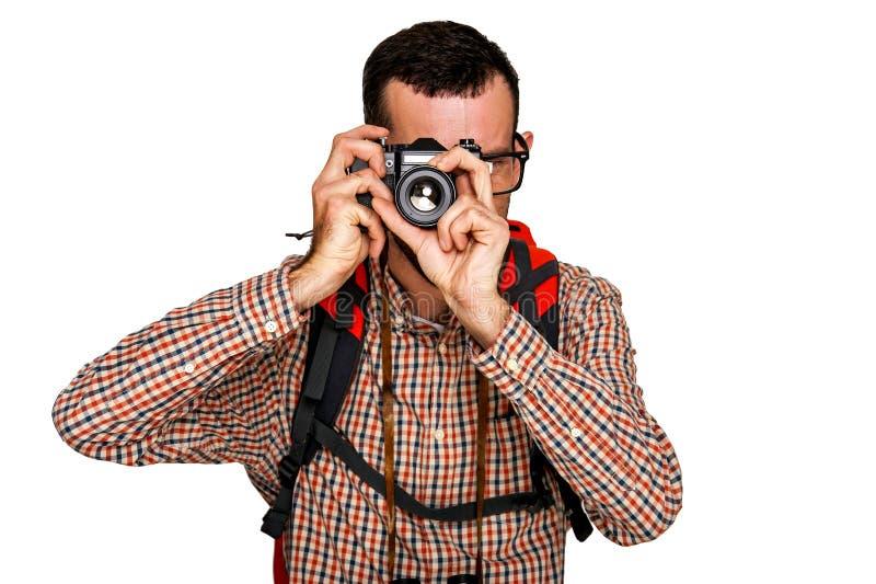 Randonneur de touristes d'homme en voyage prenant la photo photo stock