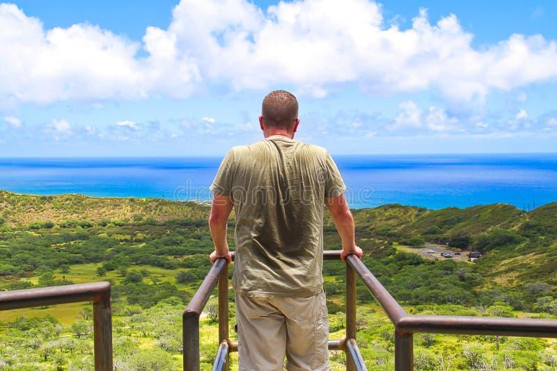 Randonneur en Hawaï photographie stock libre de droits