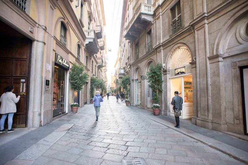 Ranek na Della Spiga ulicie w Mediolan zdjęcie royalty free