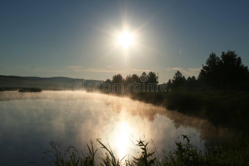 Ranek na jeziorze fotografia stock