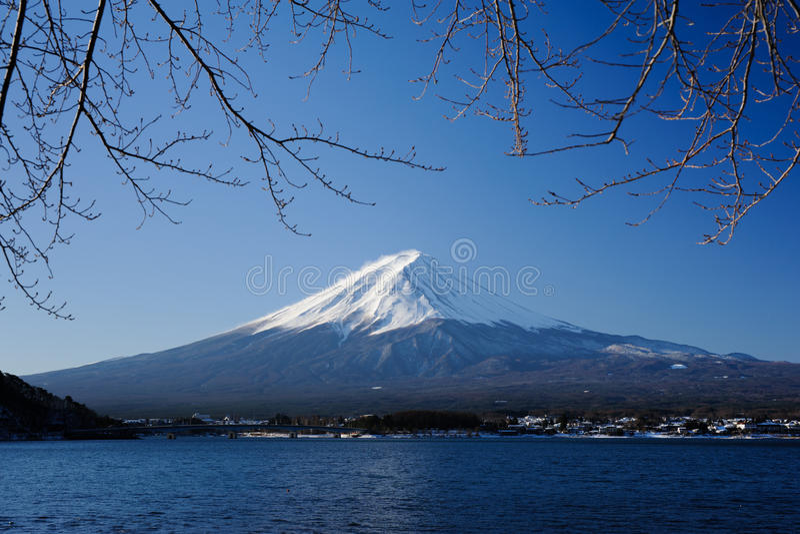 Ranek przy Jeziornym Kawaguchi obraz royalty free