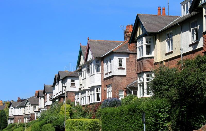 Rangée des maisons modernes dans la rue image stock
