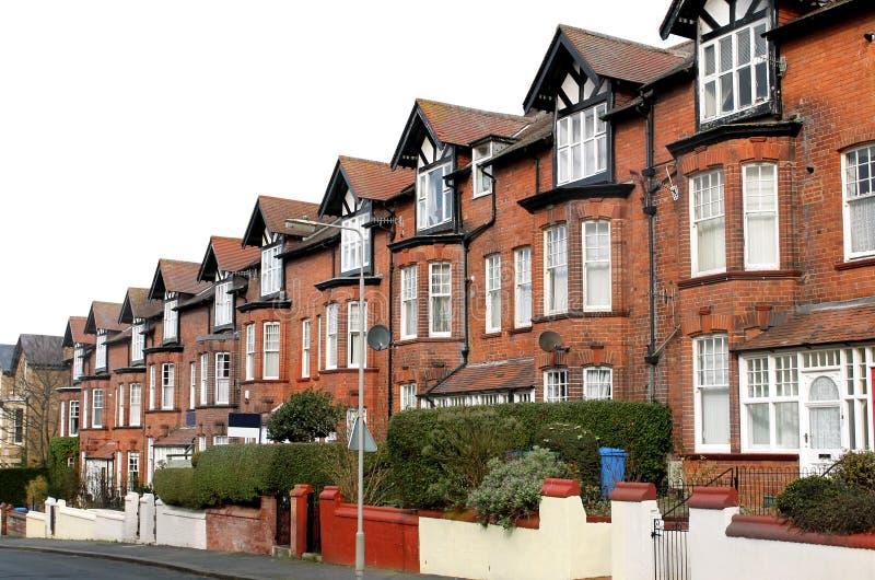 Rangée des maisons sur une rue photos libres de droits