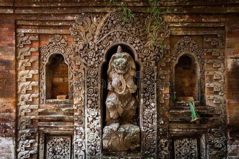 Download Rangda The Demon Queen Statue In Ubud Palace, Bali Stock Image - Image of statue, demon: 68093581