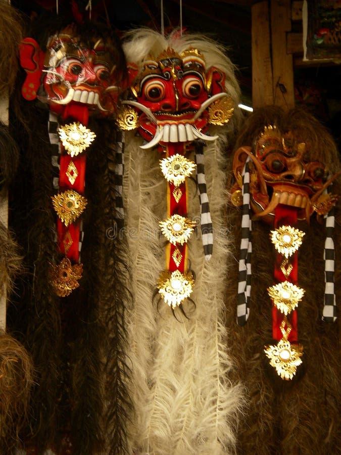 Rangda, un masque de diable de balinese en bois et découpé avec des cheveux photos libres de droits