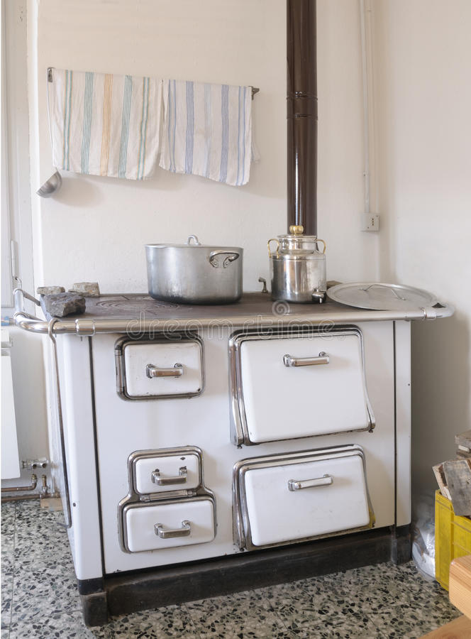 Download Range (old Style Cooker) Stock Photo. Image Of Heat, Boil