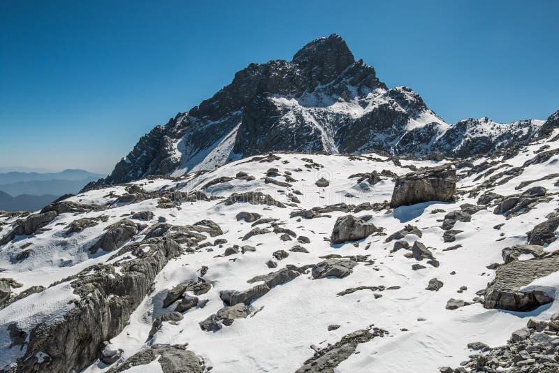 Rango de alta montaña imagenes de archivo